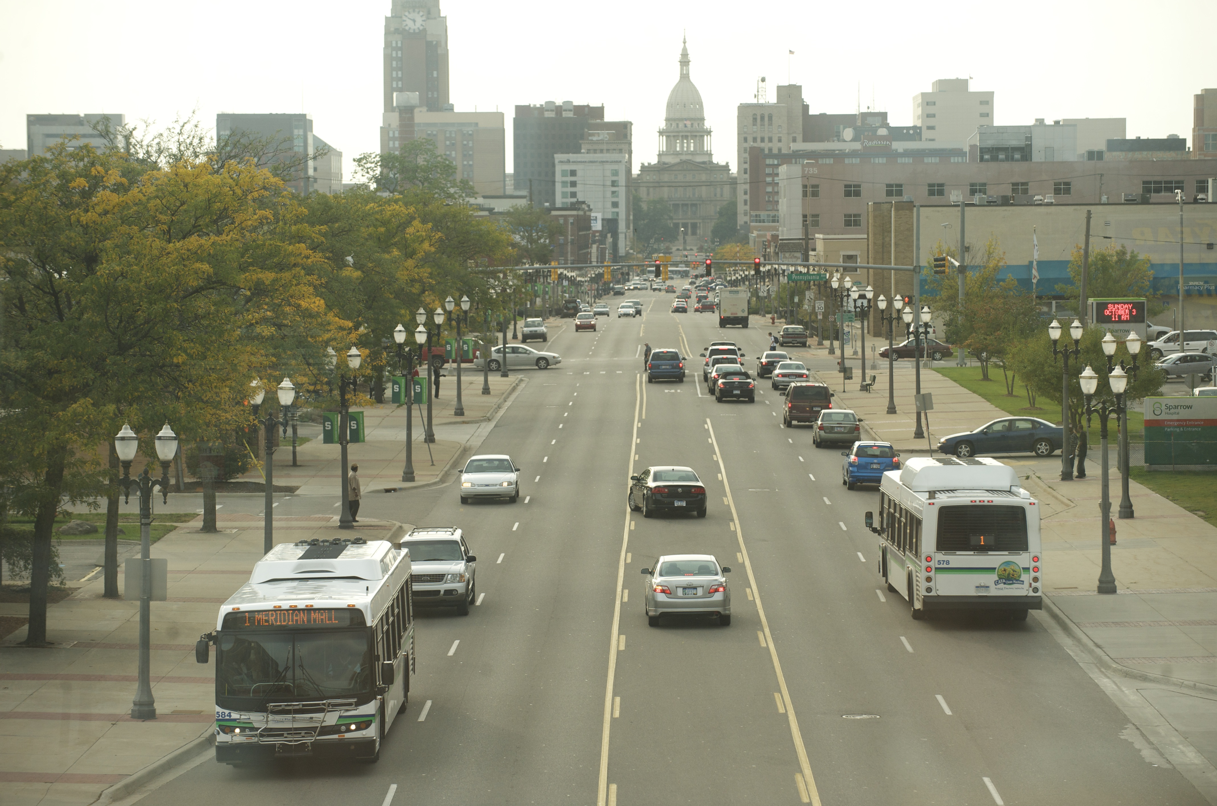 cata bus in downtown lansing